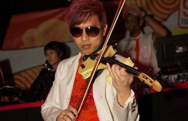 Electric Violinist Lester